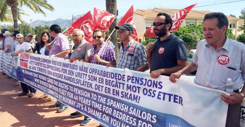 UGT se manifiesta con los marinos españoles de Long Hope