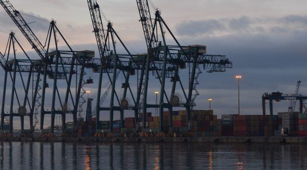 Varapalo del TJUE al intento de intromisión de la CNMC en el sector portuario español
